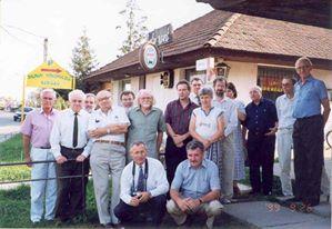 A Fennmaradáért Mozgalom alapítói 2002. Pomáz